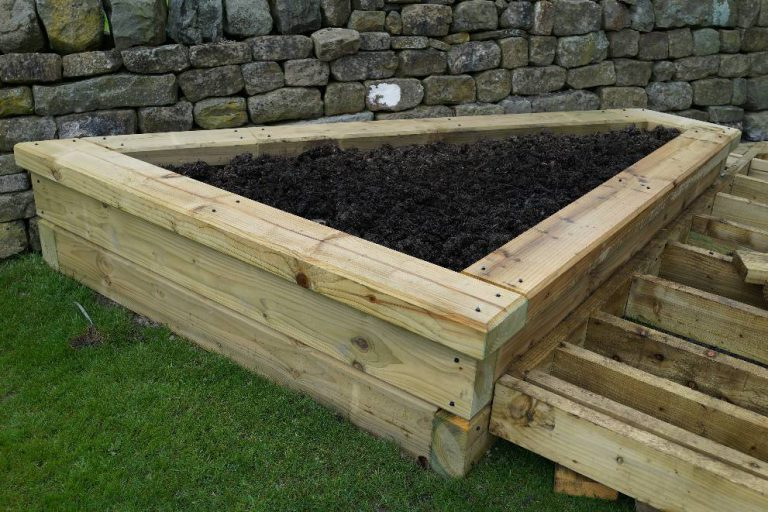 BSW Timeless Sleepers Planter