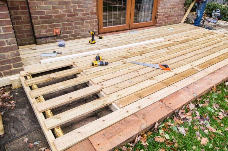 Laying timber decking
